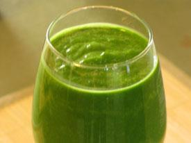 You can add Superfoods to a basic green smoothie to give a power start to your day