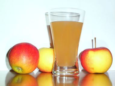 Raw, unfiltered apple juice is a useful way to support the gallbladder.